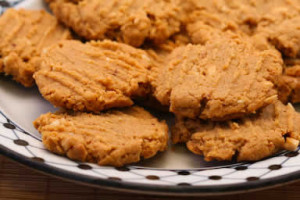 These sugar-free cookies are perfect for a football tailgate!