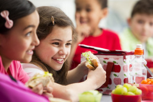 Keep kids healthy and smiling at the cafeteria table with these tooth-friendly lunch ideas and oral health tips from Delta Dental of Arizona.